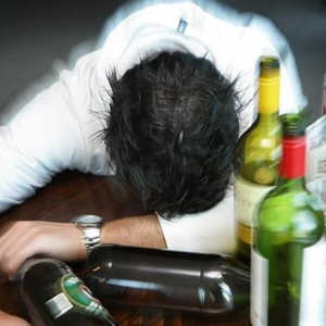 How alcohol affects health and potency in men?