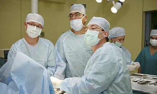 Хирургические методы устранения патологии - это лапароскопия и герниопластика