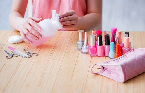How To Store Your Nail Polish: 5 Do's And Don'ts