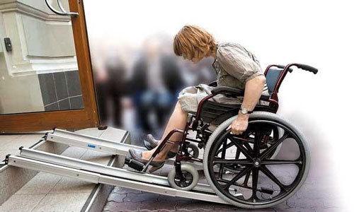 При секвестрации грыжевого выпячивания есть опасность развития паралича нижних конечностей