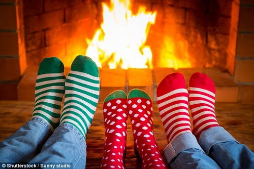 Sometimes, it's the simple things. It's tempting to get caught up in extravagant dinners and decor, but one psychologist says that a fire in the fireplace was the most memorable Christmas tradition to his family