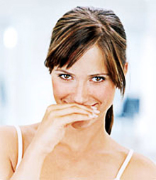 The use of chewing gum not only does not give fresh breath, but can also cause disease
