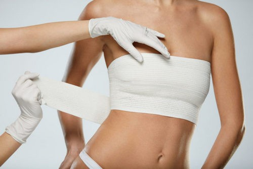 American experts have found a link between lymphoma and breast implants. Image number 2