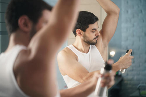 The ultimate sweat guide: how to deal with sweating and bad smell. Image number 12