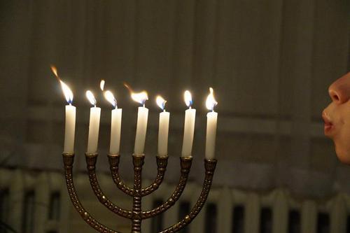 Imagine a candle