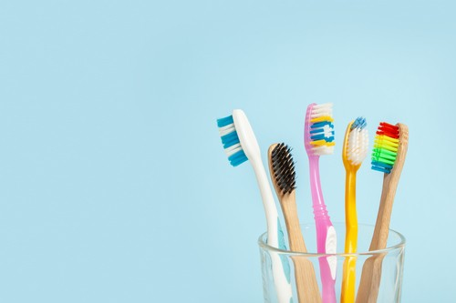 How to choose a toothbrush?