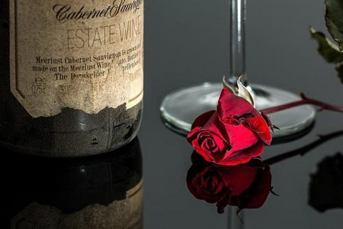 let alcohol not become an element of a romantic evening for you