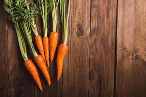 Myth: Blueberries and carrots improve vision. Image number 4