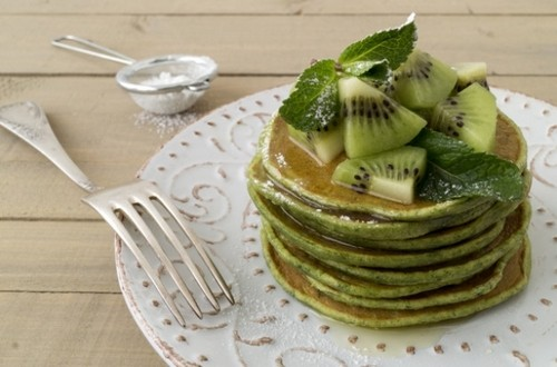 pancakes with kiwi