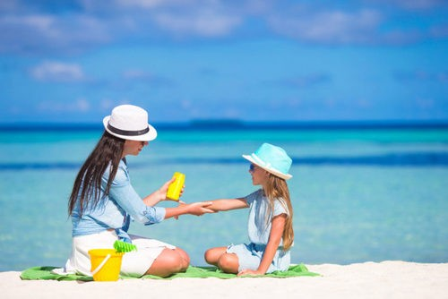 Scientists: homemade sunscreens are ineffective and even dangerous. Image number 2
