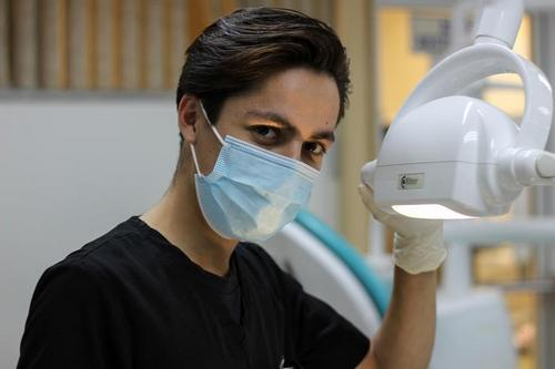 Dentist, signs of a bad specialist